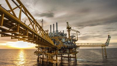 Energy oil gas - Oil and gas platform